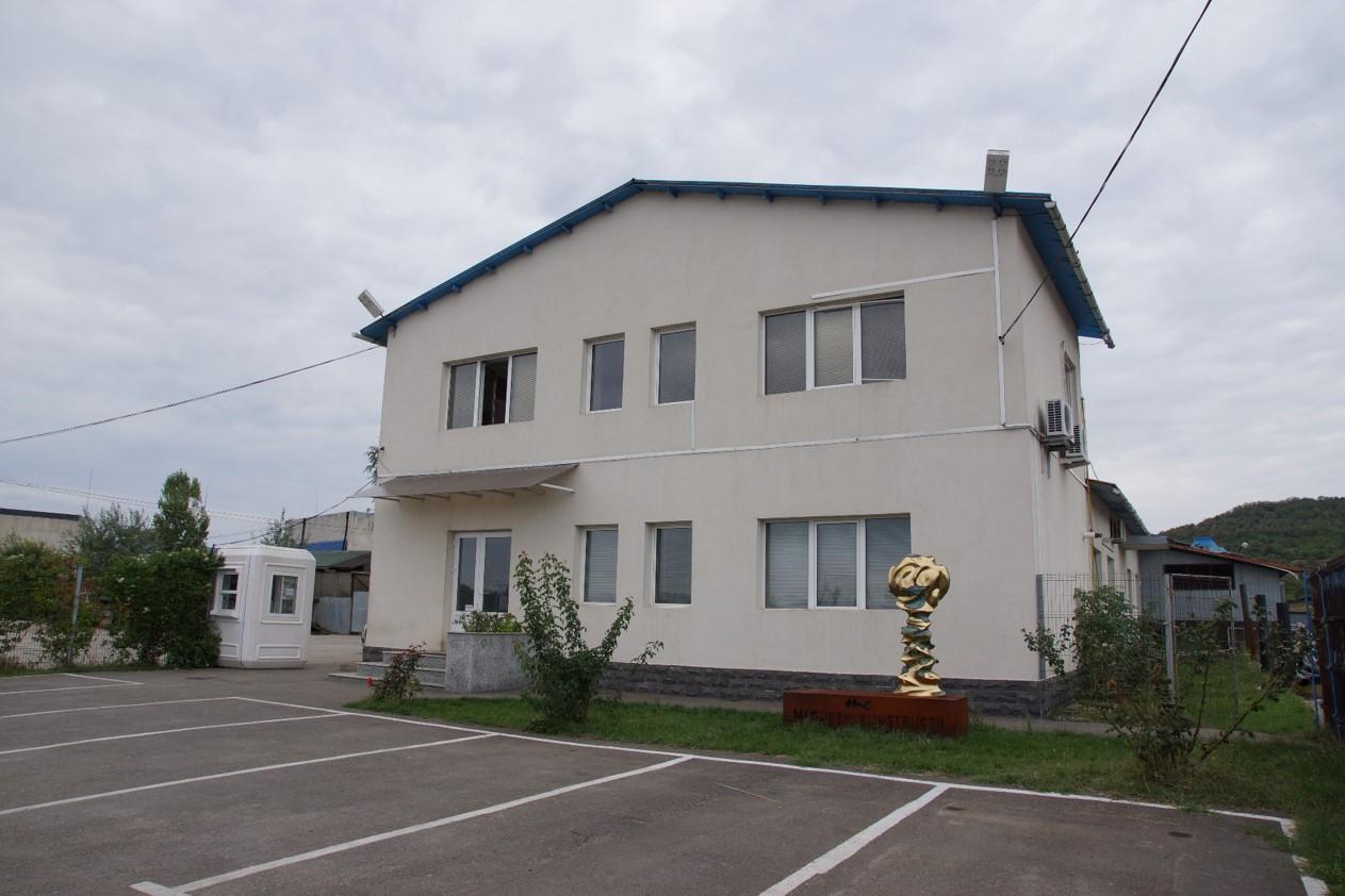 poza-fabrica